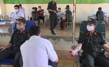 Cảnh sát cơ động Tây Nguyên hiến máu tình nguyện