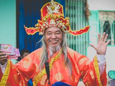 Ông Thái bán vé số lấy tiền làm từ thiện