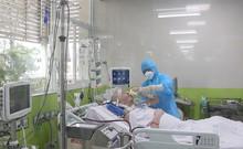Bệnh nhân 91 bắt tay với bác sĩ và có thể mỉm cười