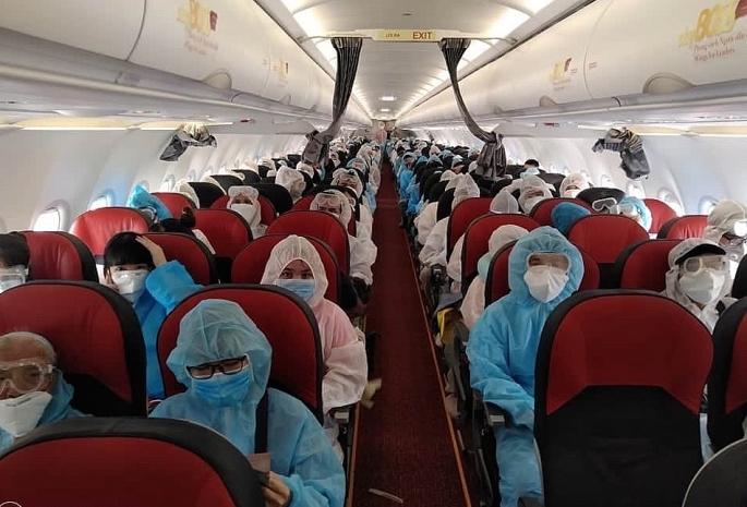 Gần 240 công dân Việt Nam từ Myanmar về nước
