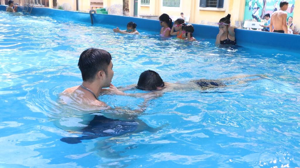 An toàn bơi mùa hè để phòng tránh nguy cơ đuối nước cho học sinh
