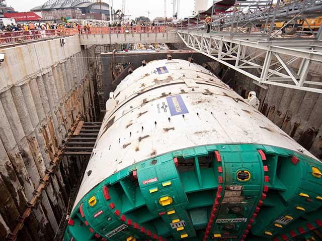 Cận cảnh máy đào hầm khổng lồ cao bằng tòa nhà 4 tầng của Trung Quốc
