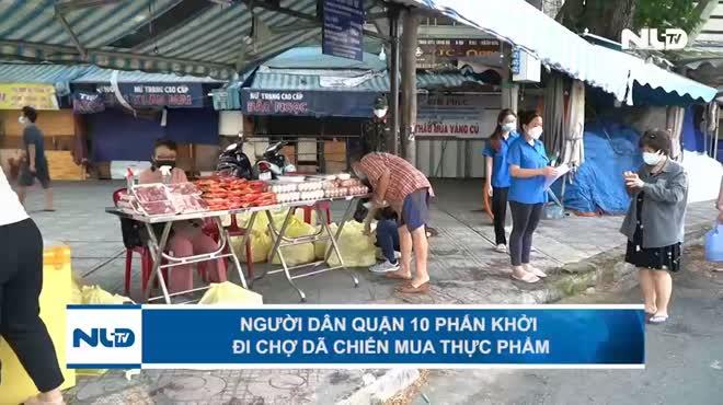 Người dân quận 10 phấn khởi đi chợ dã chiến mua thực phẩm